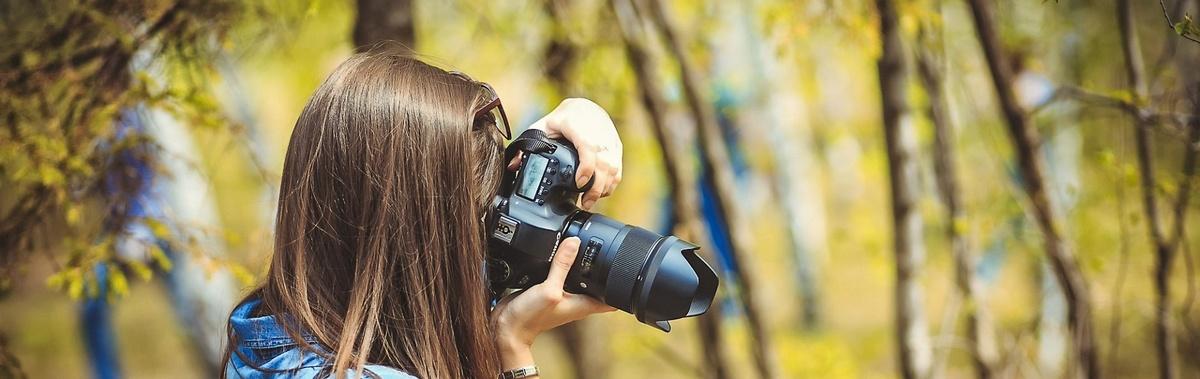 Подарочный сертификат Индивидуальная фотосессия в студии, 1 часНовый год<br>Создайте шикарный образ и отправляйтесь в фотостудию для создания самых эффектных снимков.<br><br>Номинал: None<br>Тип подарка: Электронный<br>Город (для эмоций): Санкт-Петербург<br>Как воспользоваться?: &lt;ul class=circleListBig&gt;<br>Что будет происходить?: &lt;p&gt;<br>Количество участников: 1 участник<br>Сезонность: Круглый год<br>Продолжительность: До 3 часов<br>Где проходит?: В помещении<br>Вид эмоций: Мастер-классы, Хобби<br>Для кого: Мужчине, Девушке<br>Повод: На Новый год, На 8 марта, На Годовщину, На День Рождения, На День Святого Валентина, На 23 февраля