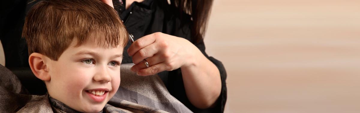 Подарочный сертификат Детская стрижкаДень рождения<br>Профессиональный парикмахеры сделают эффектную стрижку для вашего ребенка и создадут для него яркий образ.<br><br>Номинал: None<br>Тип подарка: Электронный<br>Город (для эмоций): Москва<br>Как воспользоваться?: &lt;ul class=circleListBig&gt;<br>Что будет происходить?: &lt;p&gt;<br>Количество участников: 1 участник<br>Сезонность: Круглый год<br>Продолжительность: До 3 часов<br>Где проходит?: В помещении<br>Вид эмоций: Семья<br>Для кого: Ребенку<br>Повод: На Новый год, На День Рождения