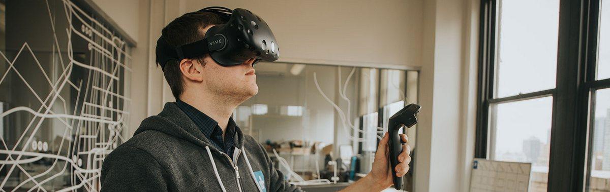 Подарочный сертификат Игра в очках виртуальной реальности HTC Vive, 3 часаНовый год<br>Насладитесь невероятными играми с этим очками виртуальной реальности и получите массу впечатлений.<br><br>Номинал: None<br>Тип подарка: Электронный<br>Город (для эмоций): Санкт-Петербург<br>Как воспользоваться?: &lt;ul class=circleListBig&gt;<br>Что будет происходить?: &lt;p&gt;<br>Количество участников: 1 участник<br>Сезонность: Круглый год<br>Продолжительность: До 3 часов<br>Где проходит?: В помещении<br>Вид эмоций: Экстрим, Хобби<br>Для кого: Мужчине, Ребенку, Девушке<br>Повод: На Новый год, На 8 марта, На День Рождения, На День Святого Валентина, На 23 февраля